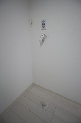 もちろん室内に洗濯機置き場があります。
