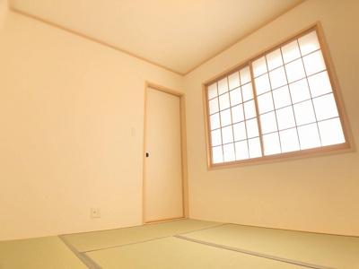 1階の6帖和室です