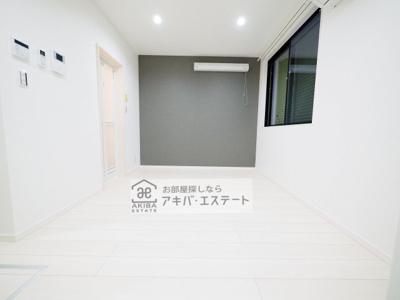 【居間・リビング】MRK明大前(エムアールケー メイダイマエ)