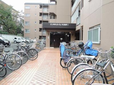 駐輪場平置駐車場です。