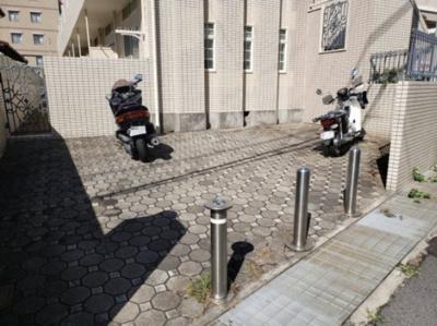 駐輪場☆神戸市垂水区 ローリエ霞ヶ丘 賃貸☆