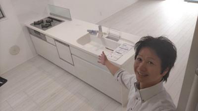 【キッチン】南区戸部町第3期 1号棟〈仲介手数料無料〉大磯小学校・新郊中学校 新築一戸建て