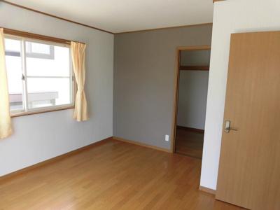 二階7.5帖洋室