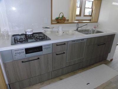 新調されたキッチン