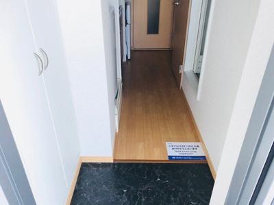 【玄関】レオパレスブリリアント