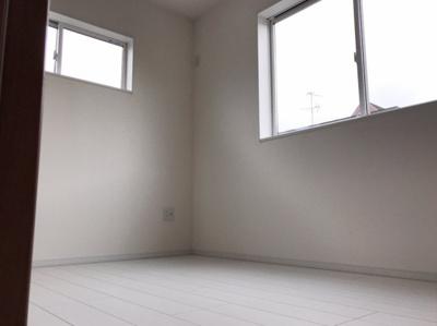 約4.7帖の洋室です♪