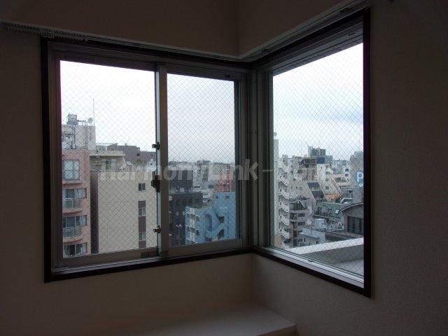 GENOVIA浅草橋Ⅱ skygardenの明るい色調の室内です(窓)☆