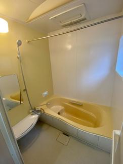 ガス浴室暖房乾燥機、ミストカワック付きのシステムバスです。省エネ給湯器エコジョーズ24号給湯オートタイプも新調です。