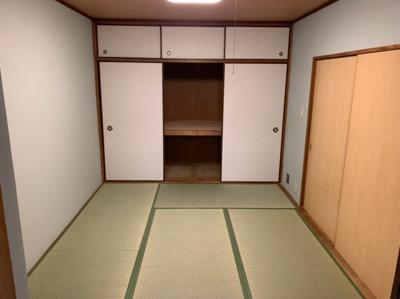 日本らしい落ち着いた雰囲気の和室です。