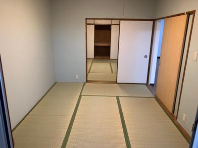 続き和室になっています。