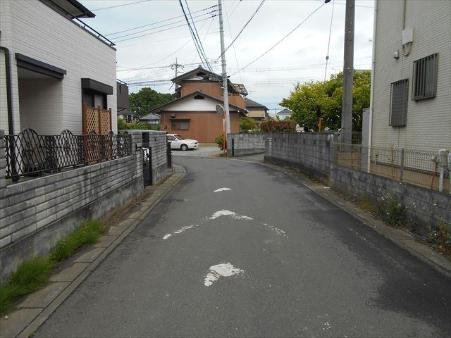 前面道路:南側約5.3m公道に約14.1m接道