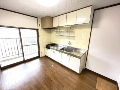 調理スペースにゆとりのあるキッチンです
