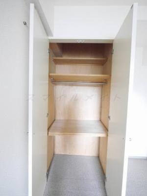 広々収納・棚があり整理・整頓しやすいです。