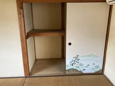 2階和室押入れ