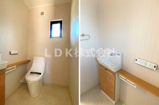 トイレ・1F/空間の広さは1.5帖あり、手洗い場、温水洗浄、フルオート便器洗浄付のエコトイレです。