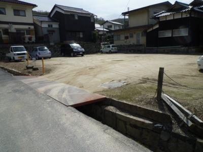 近隣駐車場(約30m)
