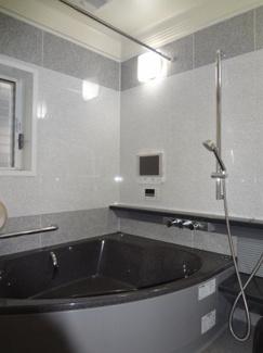 【浴室】伊丹市南野 中古戸建