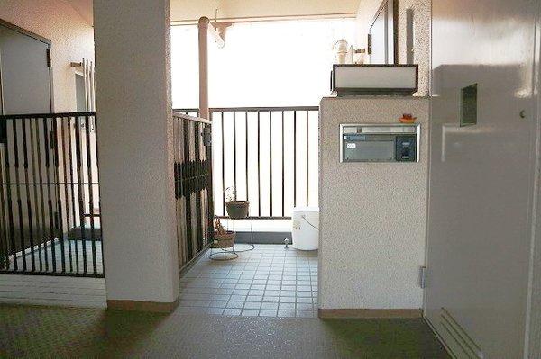 【玄関】北助松第4次団地12棟