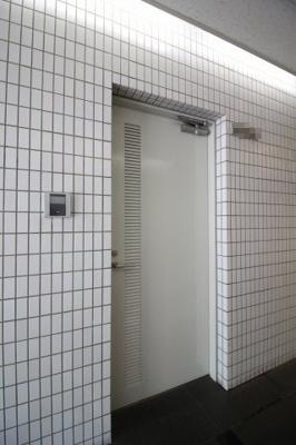 【玄関】クスノキ壱番館ビル