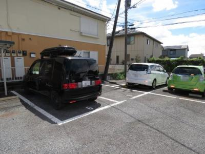 【駐車場】ローズガーデンⅡ