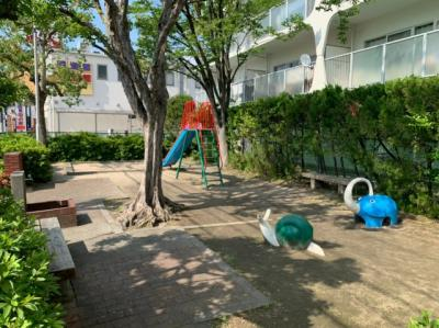 公園が近くにあります。