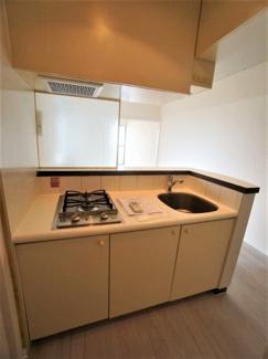 キッチンは2口ガスコンロです。