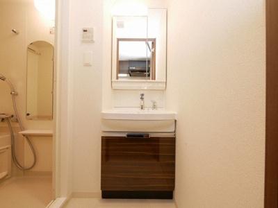 清潔感のあるウォシュレット付きトイレ