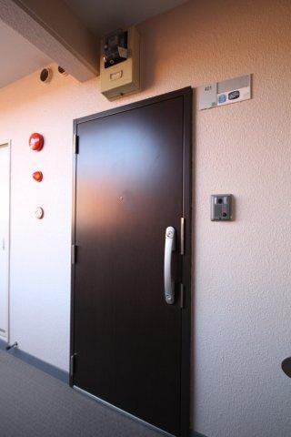 【玄関】ロマネスク室見