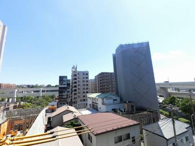 5階部分からの眺望です。 前面に建物がなく開放感がございます♪