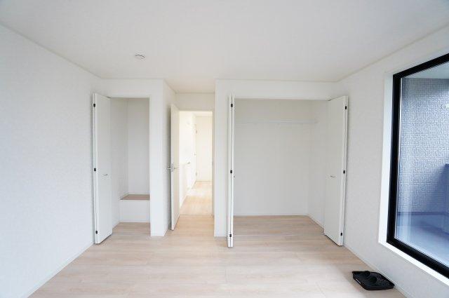 【同仕様施工例】2階8.5帖 各部屋クローゼットあります。