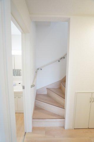 【同仕様施工例】2階6帖 各居室シンプルな洋室で使いやすいです。