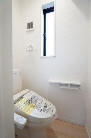 【同仕様施工例】2階6帖 使い勝手のよいシンプルなクローゼットです。