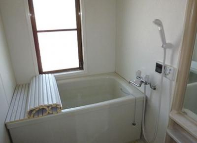 窓付きのお風呂