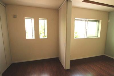 【施工例】洋室施工例です。南向き物件ですので、採光が良いお部屋が作れますね♪