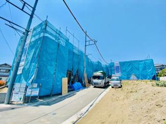 【前面道路含む現地写真】新築分譲住宅 赤羽根 2階LDKで陽当り風通し共に良好です♪