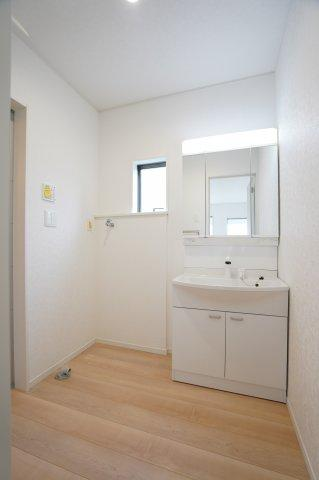 【同仕様施工例】1階 温水洗浄便座です。