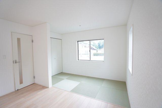 【同仕様施工例】キッチンからお部屋全体を見渡しやすいです。