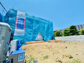 【外観】新築分譲住宅 赤羽根 南向きにつき陽当たり良好♪