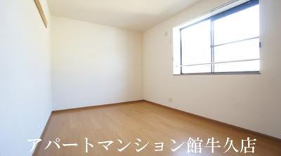 【寝室】コンフォル ターブル