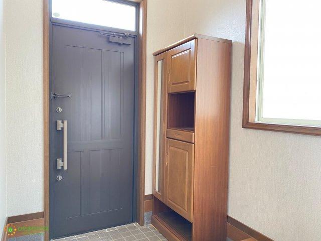 シューズボックス完備で玄関回りもスッキリ片付きますね♪