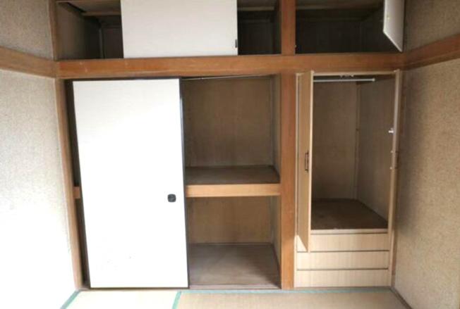2階和室の収納スペース