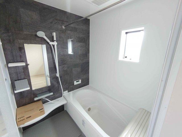 《 洗面脱衣所 》現地見学や詳細は 株式会社レオホーム へお気軽にご連絡下さい。