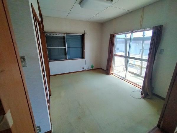 2階6帖の洋室♪