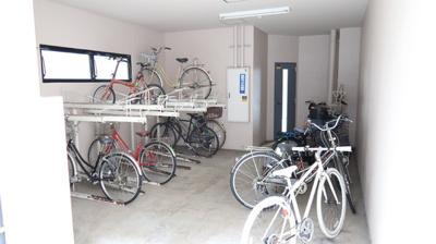 駐輪場あります♪近場の移動や、ちょっとしたお買い物への利用など、移動範囲が広がりますね♪