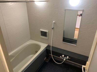 浴室も綺麗です