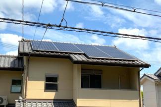 太陽光発電パネル搭載で月々の光熱費も削減!エコなライフを実感(^◇^)