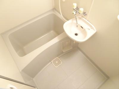 【浴室】カーサイズミ