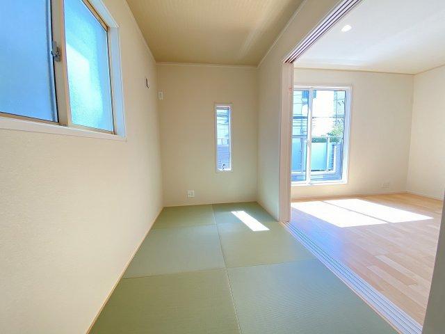 現地写真。2階和室です。プラス不動産販売なら、なぜか諸費用に差がでます。詳細は備考欄をご覧ください。
