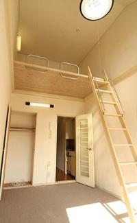 【洋室】《高稼働!木造10.43%》大和市深見西2丁目一棟アパート