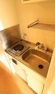 【キッチン】《高稼働!木造10.43%》大和市深見西2丁目一棟アパート